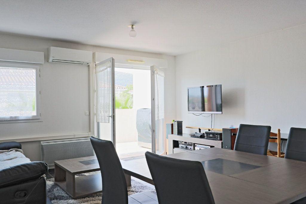 Appartement à vendre 2 45m2 à Solliès-Pont vignette-1