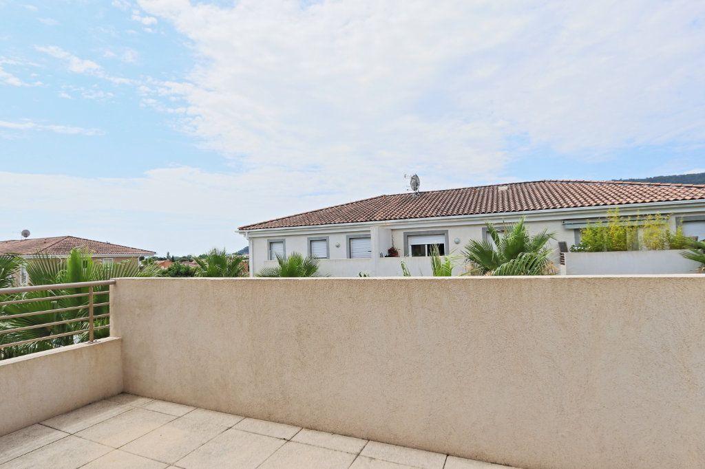 Appartement à vendre 2 45m2 à Solliès-Pont vignette-2
