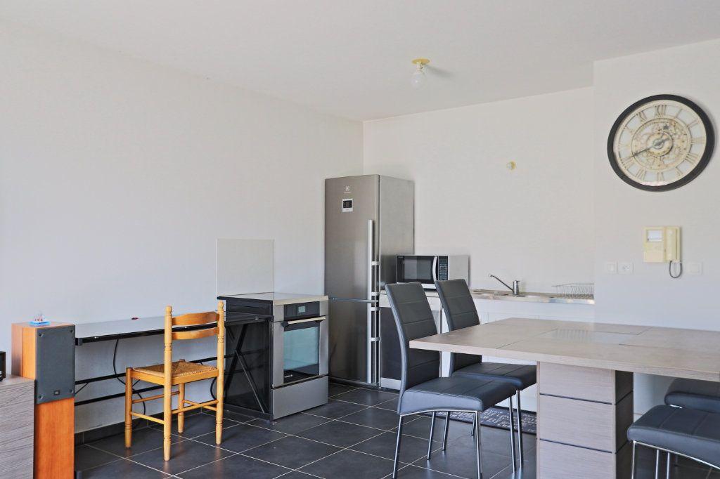 Appartement à vendre 2 45m2 à Solliès-Pont vignette-3