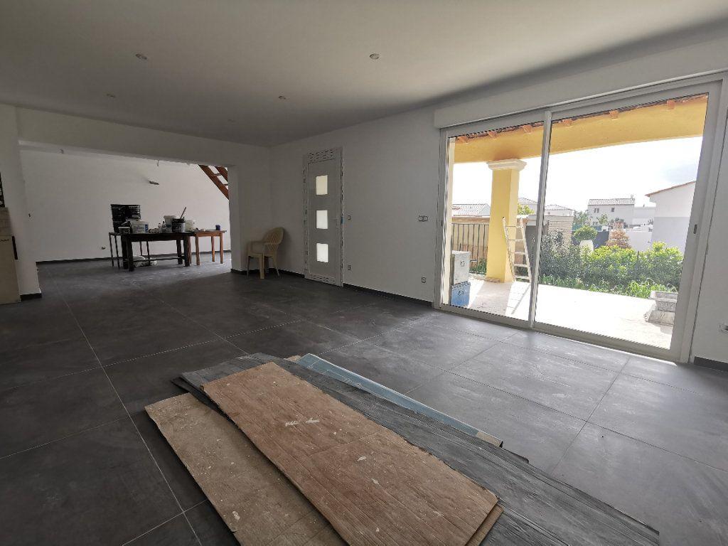 Maison à vendre 6 137.1m2 à La Farlède vignette-2