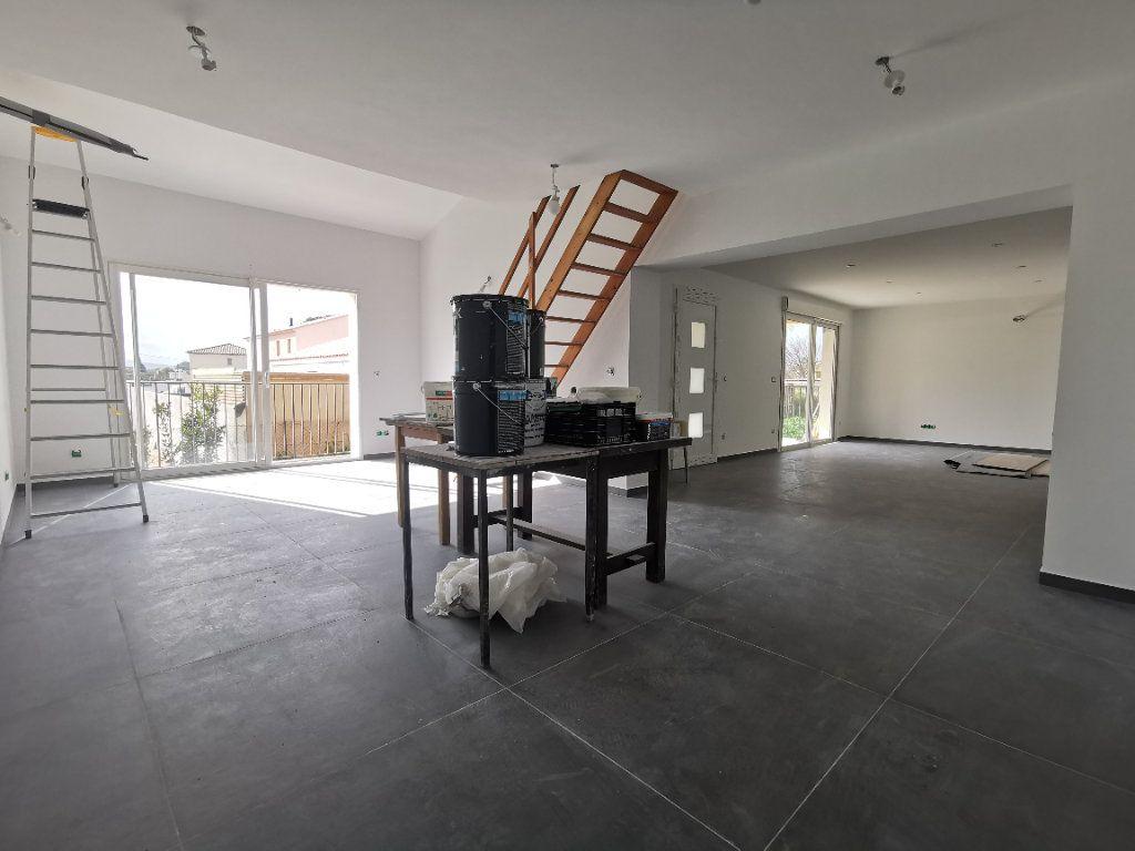 Maison à vendre 6 137.1m2 à La Farlède vignette-3