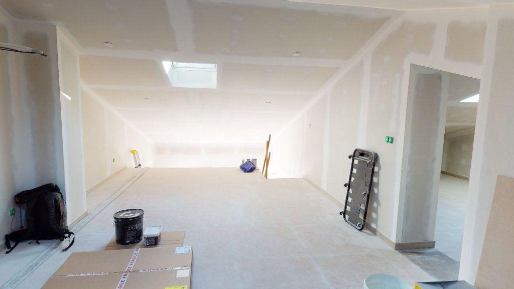 Maison à vendre 6 137.1m2 à La Farlède vignette-5