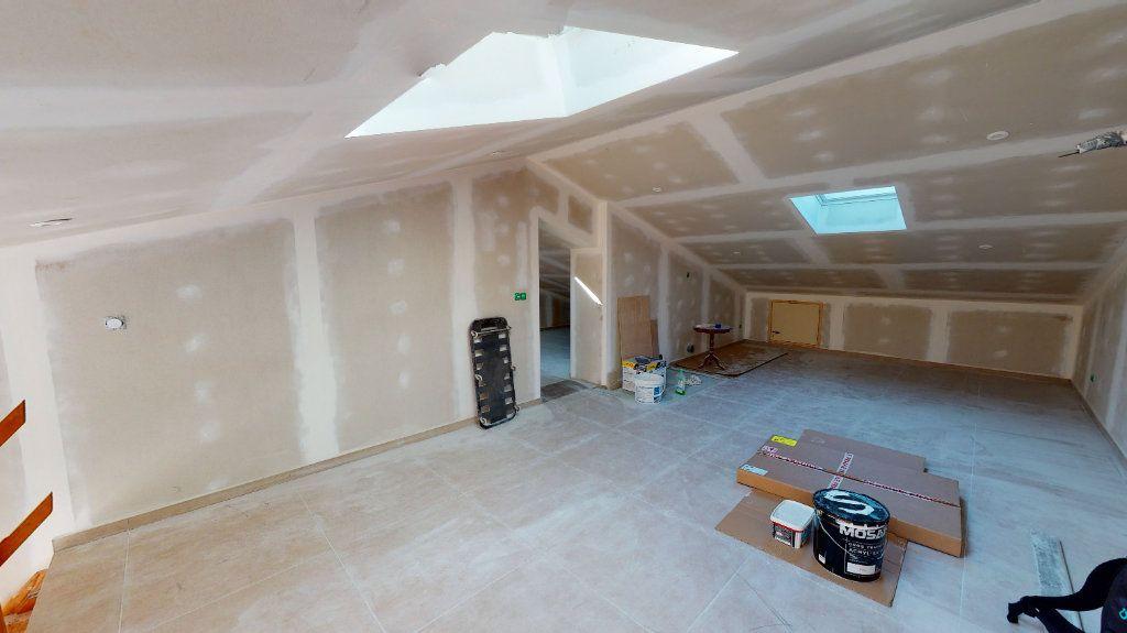 Maison à vendre 6 137.1m2 à La Farlède vignette-6