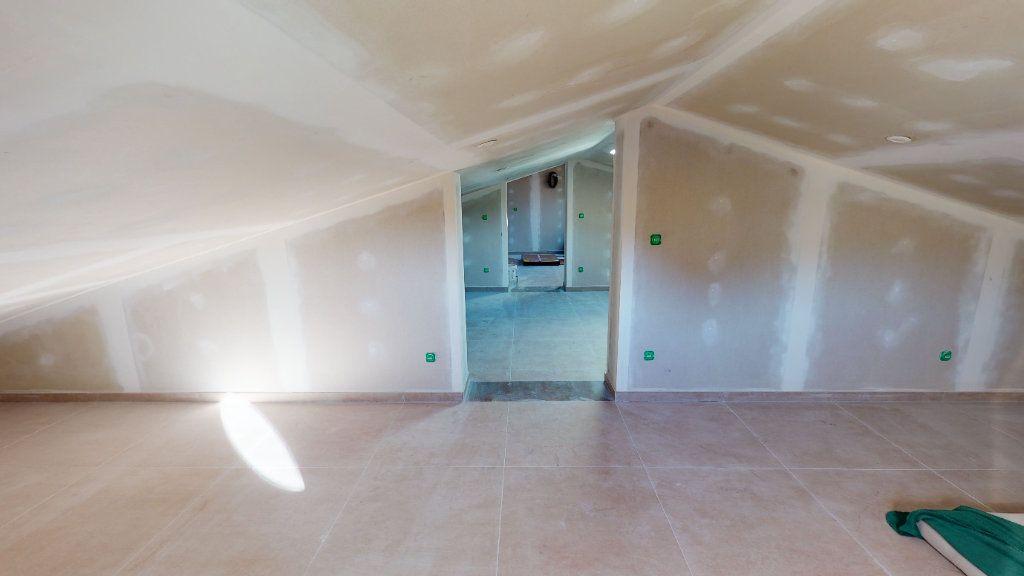 Maison à vendre 6 137.1m2 à La Farlède vignette-7