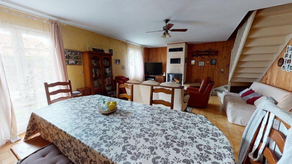 Maison à vendre 6 117m2 à La Farlède vignette-1
