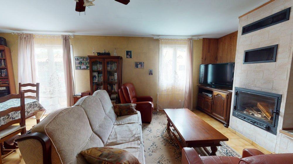 Maison à vendre 6 117m2 à La Farlède vignette-3
