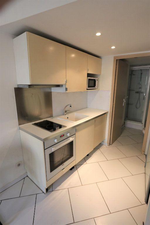 Appartement à louer 1 16.69m2 à La Farlède vignette-1