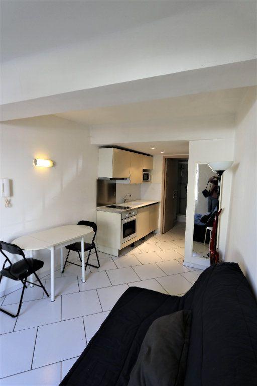 Appartement à louer 1 16.69m2 à La Farlède vignette-3
