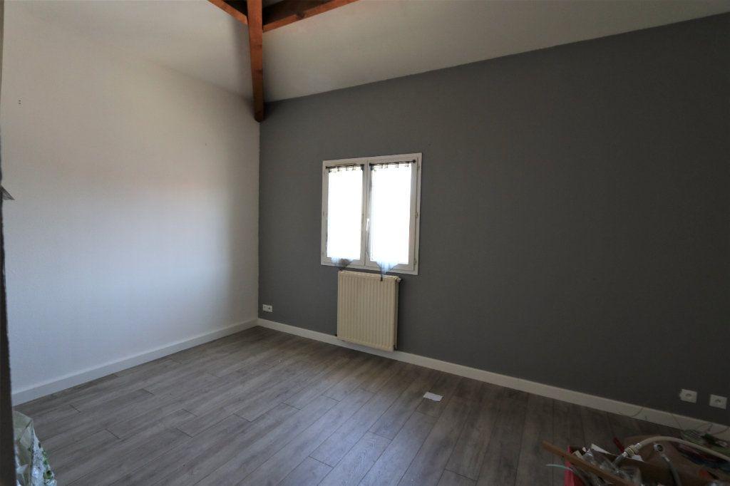 Appartement à louer 1 29.2m2 à Solliès-Pont vignette-1