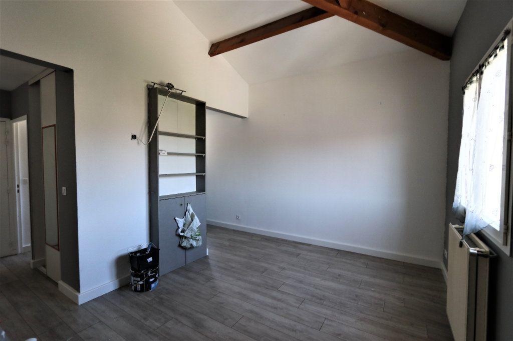 Appartement à louer 1 29.2m2 à Solliès-Pont vignette-2