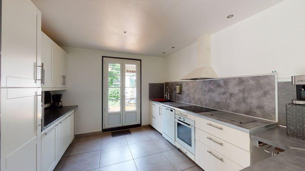 Maison à vendre 4 120m2 à Forcalqueiret vignette-3