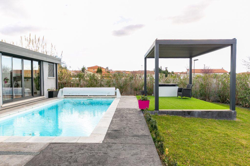 Maison à vendre 5 140m2 à Saint-Hippolyte vignette-2