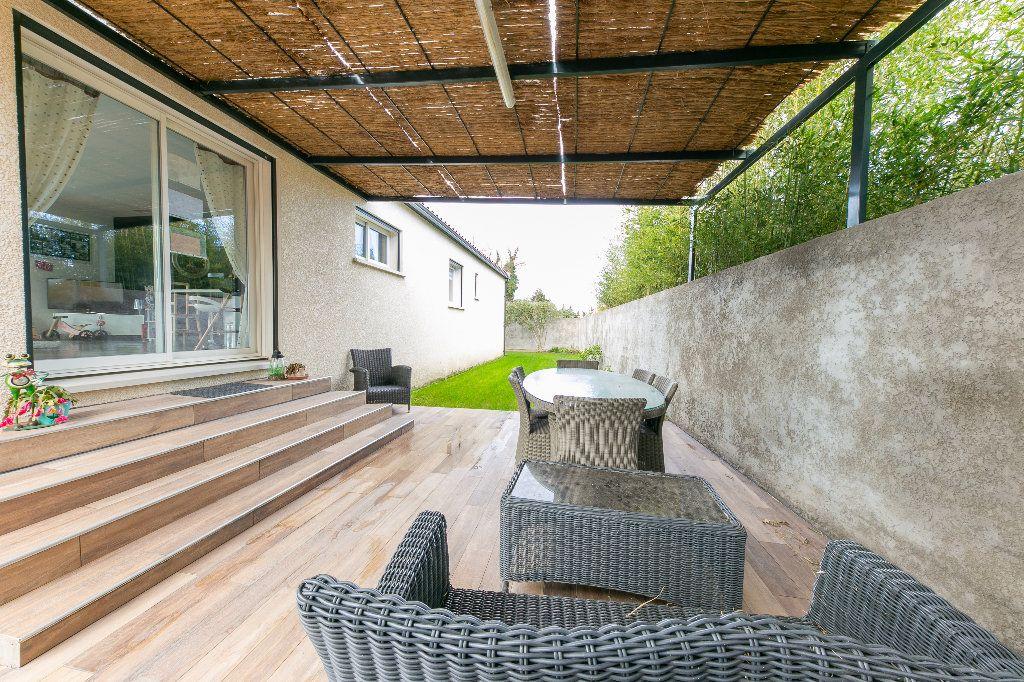 Maison à vendre 5 140m2 à Saint-Hippolyte vignette-5