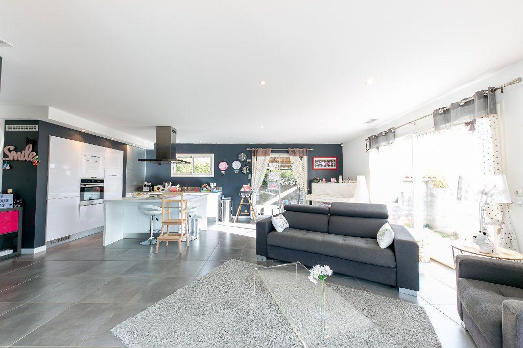 Maison à vendre 5 140m2 à Saint-Hippolyte vignette-9