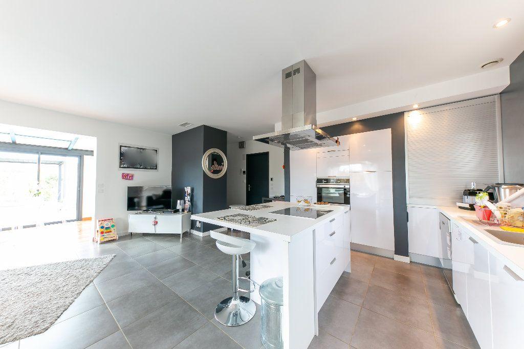 Maison à vendre 5 140m2 à Saint-Hippolyte vignette-10
