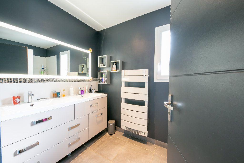 Maison à vendre 5 140m2 à Saint-Hippolyte vignette-14