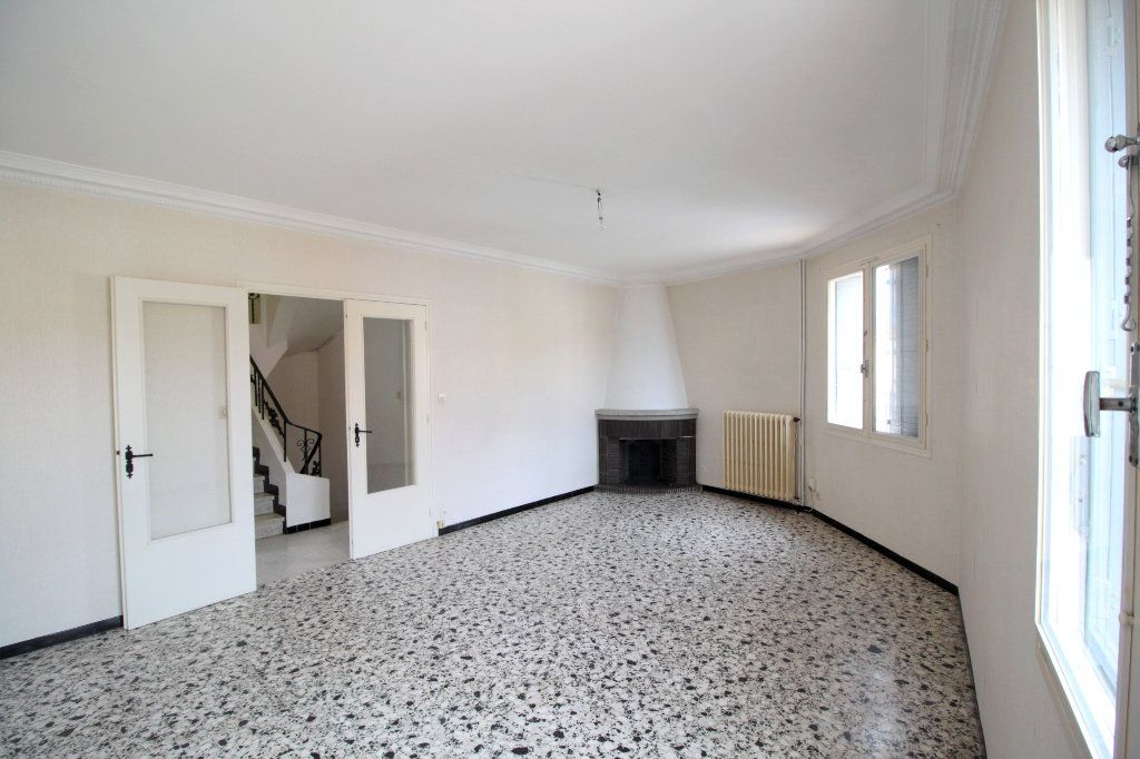 Appartement à vendre 4 80m2 à Saint-Estève vignette-2