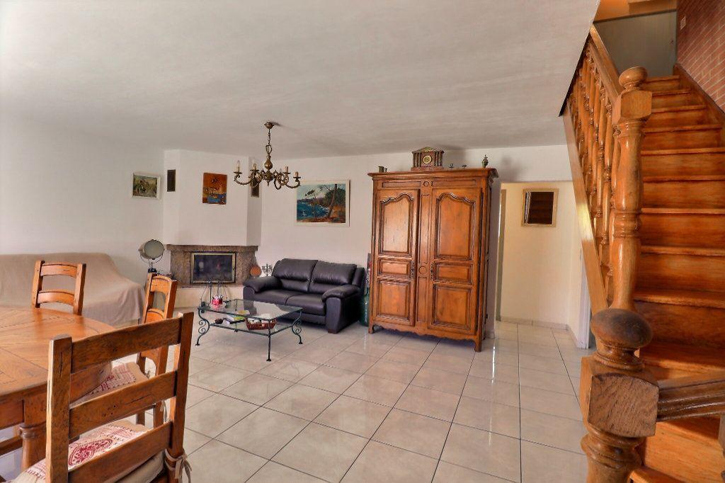 Maison à vendre 5 108m2 à Cabestany vignette-6