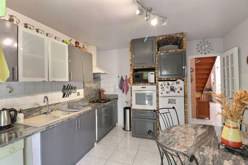 Maison à vendre 5 108m2 à Cabestany vignette-7