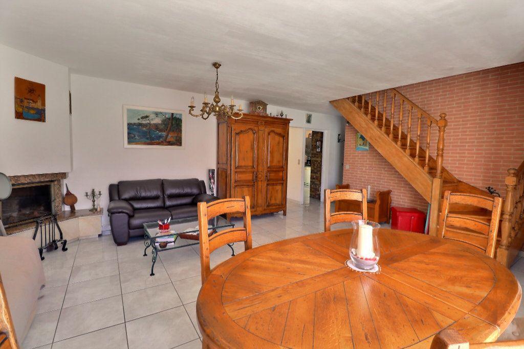 Maison à vendre 5 108m2 à Cabestany vignette-9
