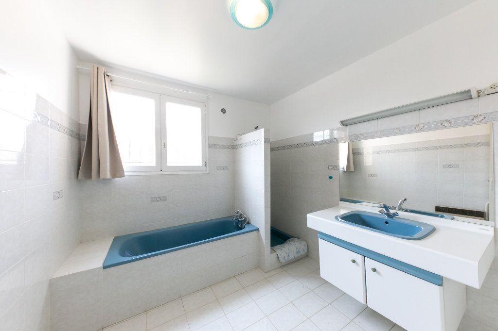 Maison à vendre 5 150m2 à Perpignan vignette-7