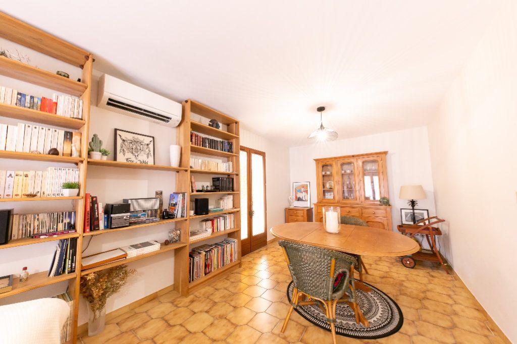 Maison à vendre 4 120m2 à Saint-Estève vignette-3