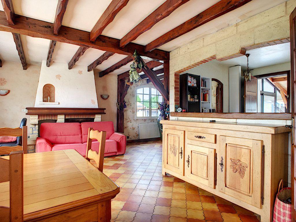 Maison à vendre 4 134m2 à Ambarès-et-Lagrave vignette-6
