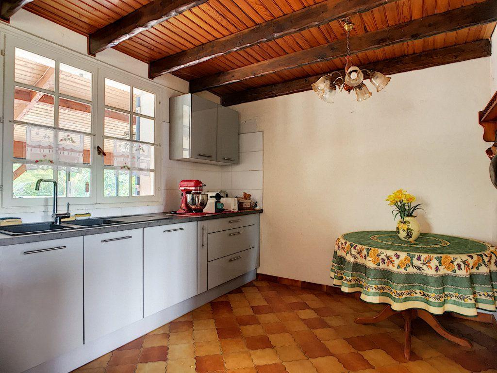 Maison à vendre 4 134m2 à Ambarès-et-Lagrave vignette-7