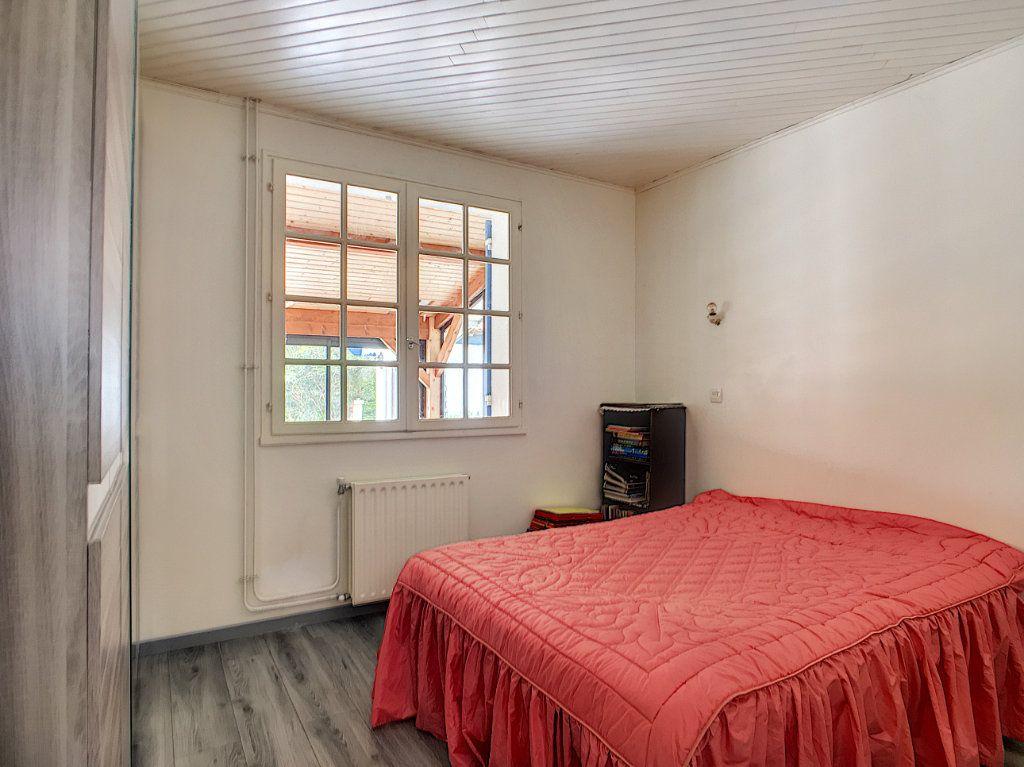 Maison à vendre 4 134m2 à Ambarès-et-Lagrave vignette-10