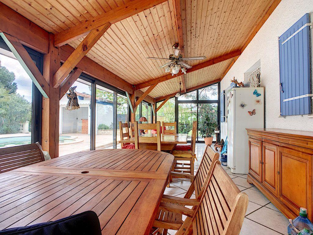 Maison à vendre 4 134m2 à Ambarès-et-Lagrave vignette-12