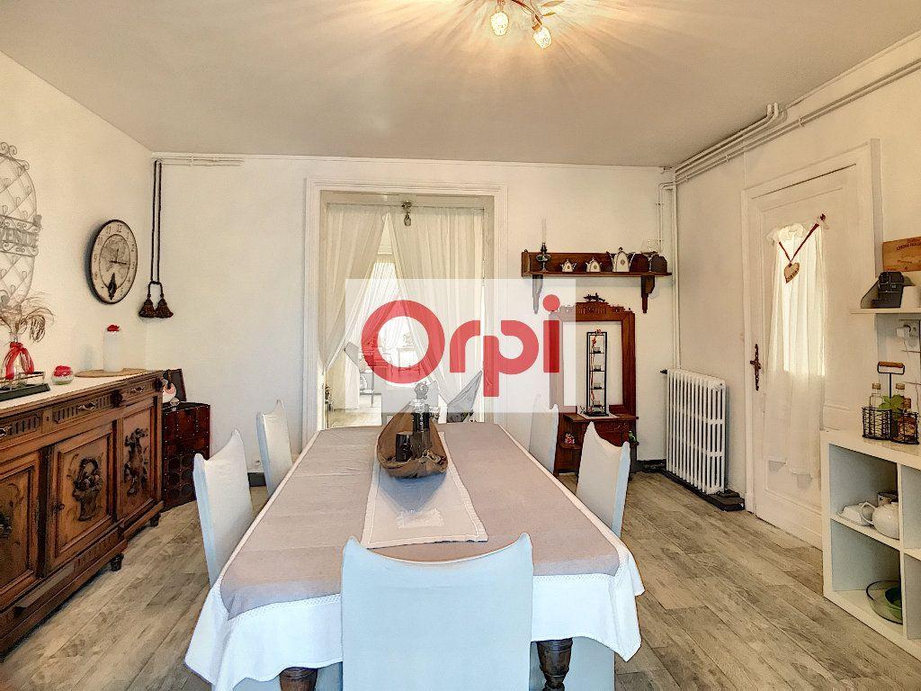 Maison à vendre 16 466m2 à Saint-Christoly-de-Blaye vignette-4