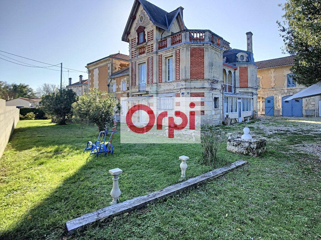 Maison à vendre 16 466m2 à Saint-Christoly-de-Blaye vignette-9