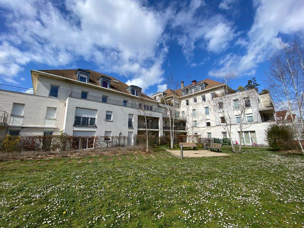 Appartement à louer 3 67m2 à Montigny-le-Bretonneux vignette-1