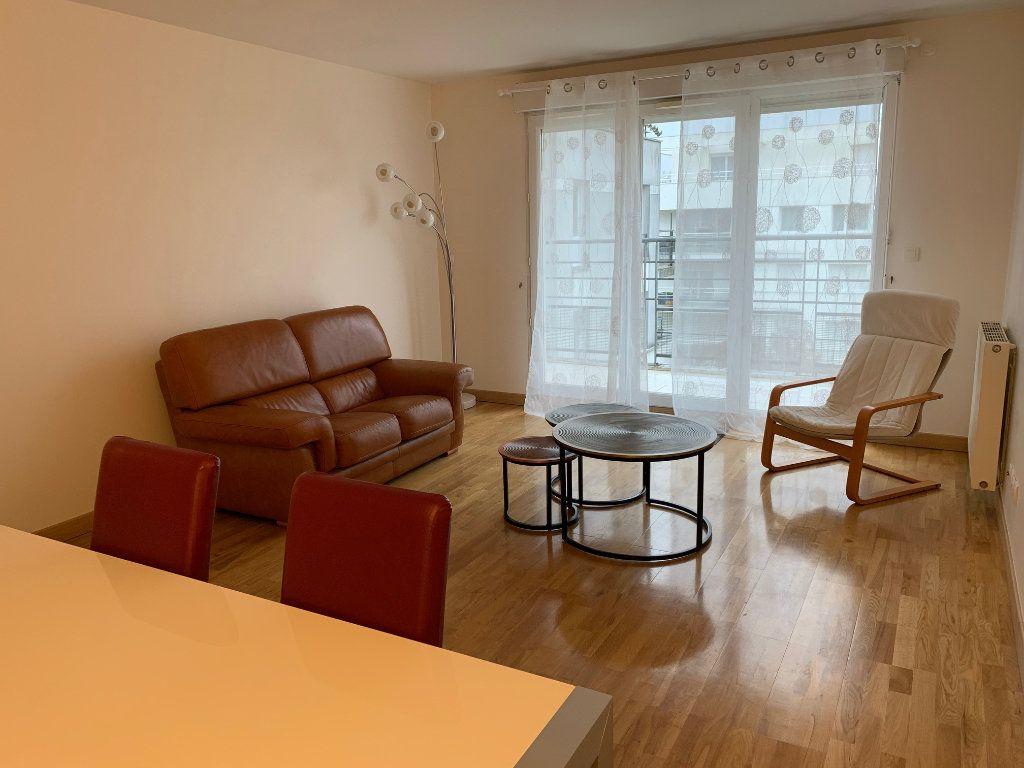 Appartement à louer 3 67m2 à Montigny-le-Bretonneux vignette-2