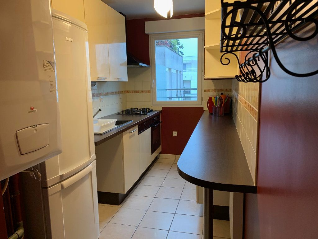 Appartement à louer 3 67m2 à Montigny-le-Bretonneux vignette-5