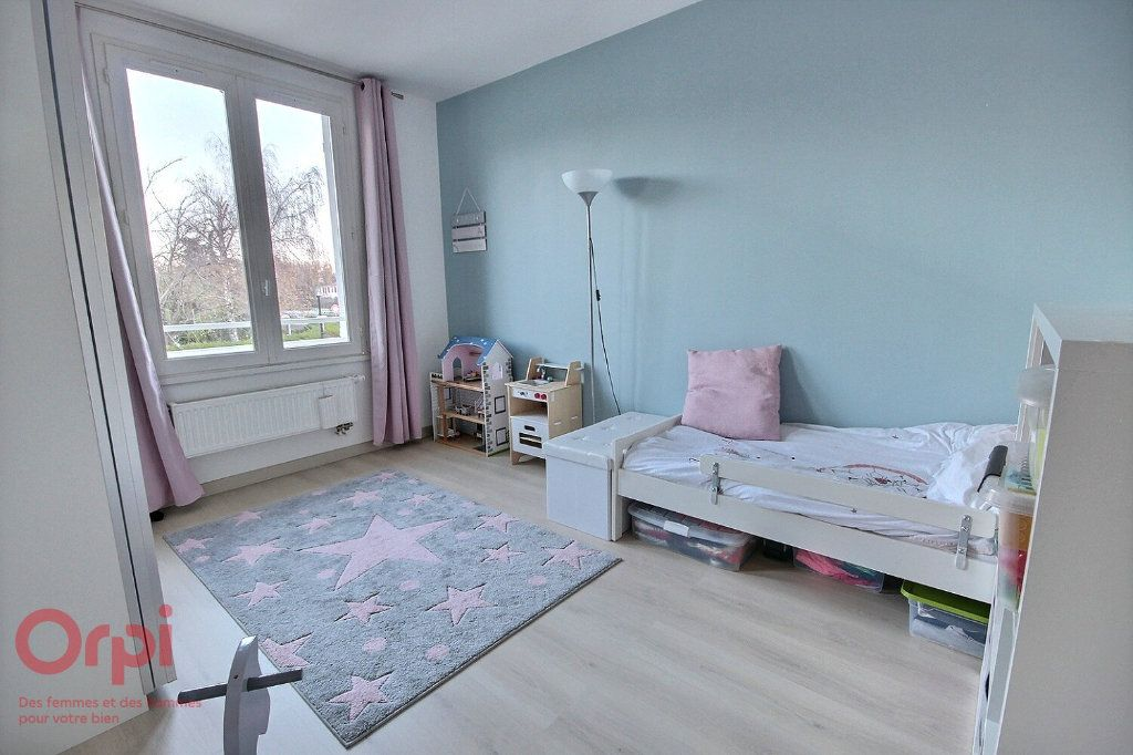 Maison à vendre 5 95m2 à Montigny-le-Bretonneux vignette-9