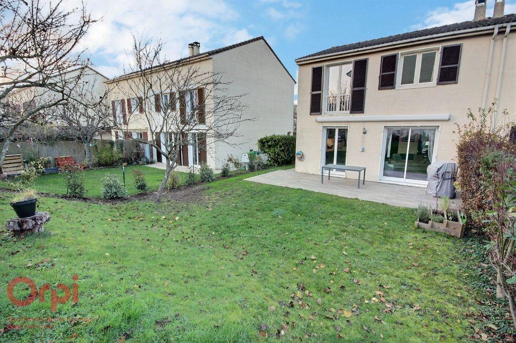 Maison à vendre 5 95m2 à Montigny-le-Bretonneux vignette-11