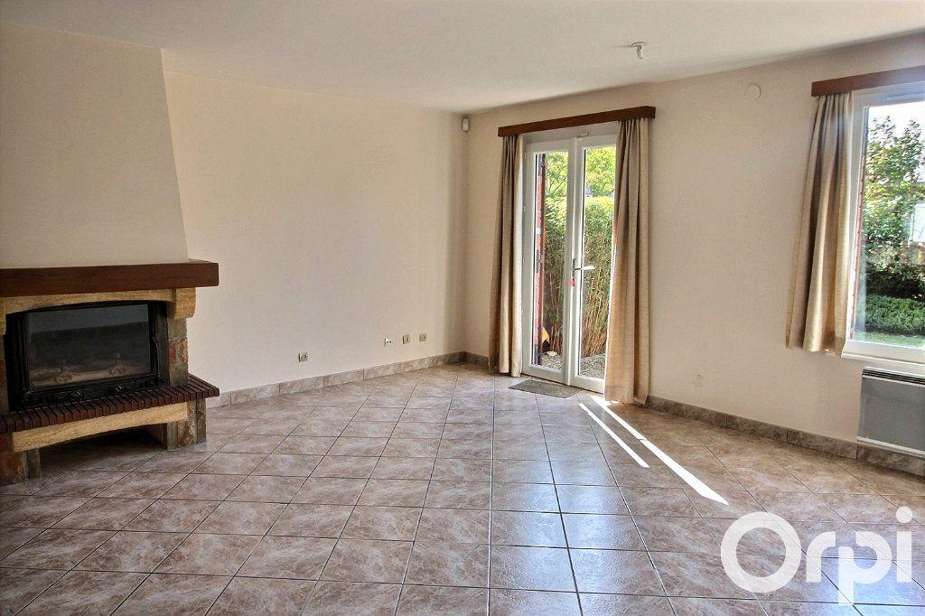 Maison à louer 6 113.7m2 à Montigny-le-Bretonneux vignette-2