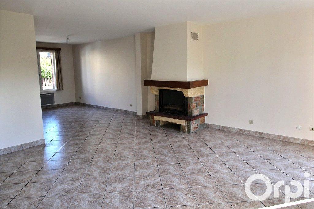 Maison à louer 6 113.7m2 à Montigny-le-Bretonneux vignette-3