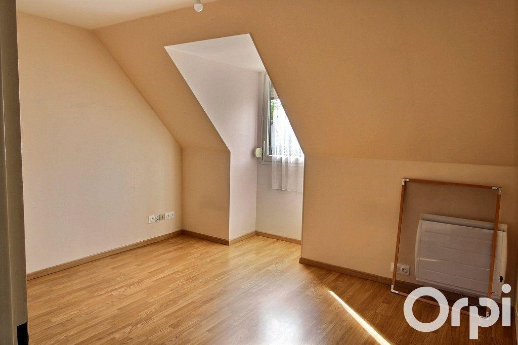 Maison à louer 6 113.7m2 à Montigny-le-Bretonneux vignette-5