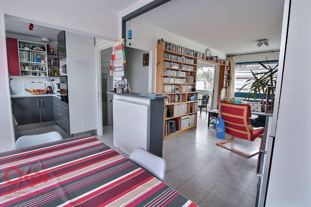 Maison à vendre 6 102m2 à Montigny-le-Bretonneux vignette-2