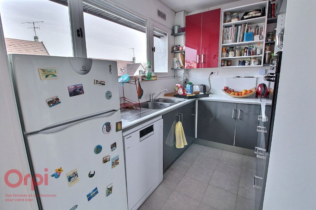 Maison à vendre 6 102m2 à Montigny-le-Bretonneux vignette-4