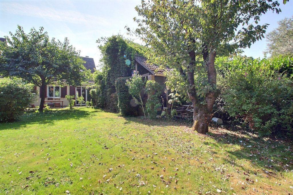 Maison à vendre 6 118m2 à Montigny-le-Bretonneux vignette-1
