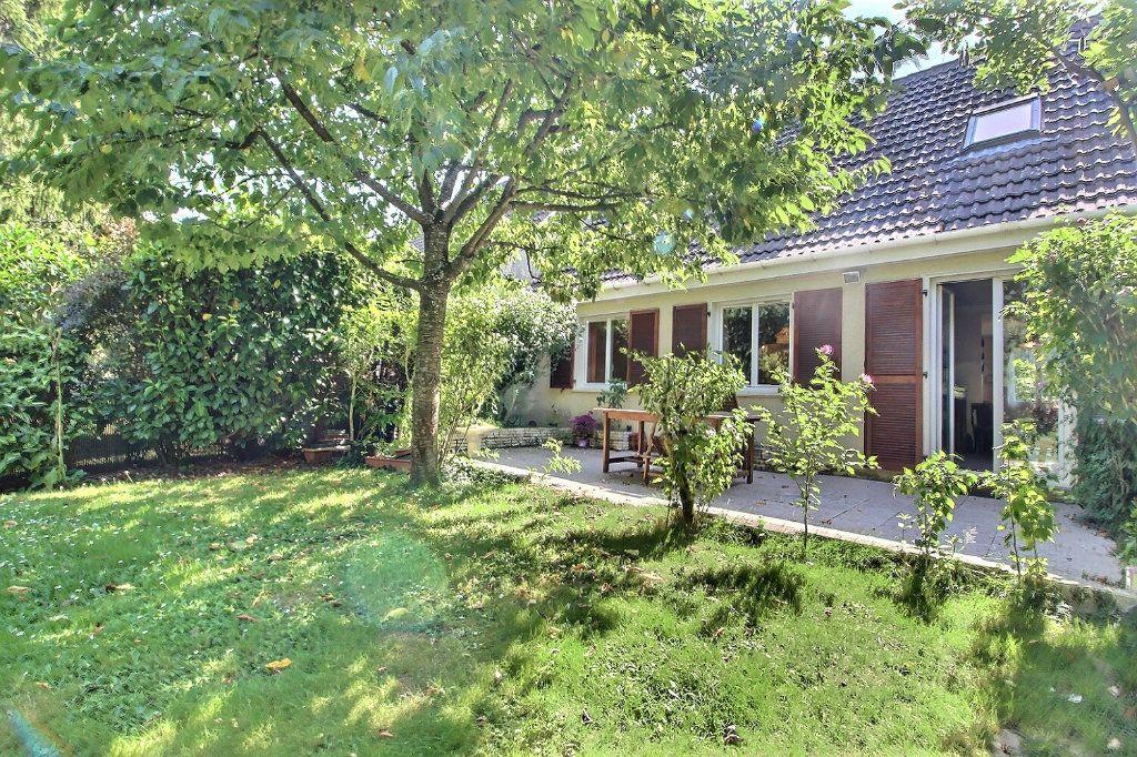 Maison à vendre 6 118m2 à Montigny-le-Bretonneux vignette-2