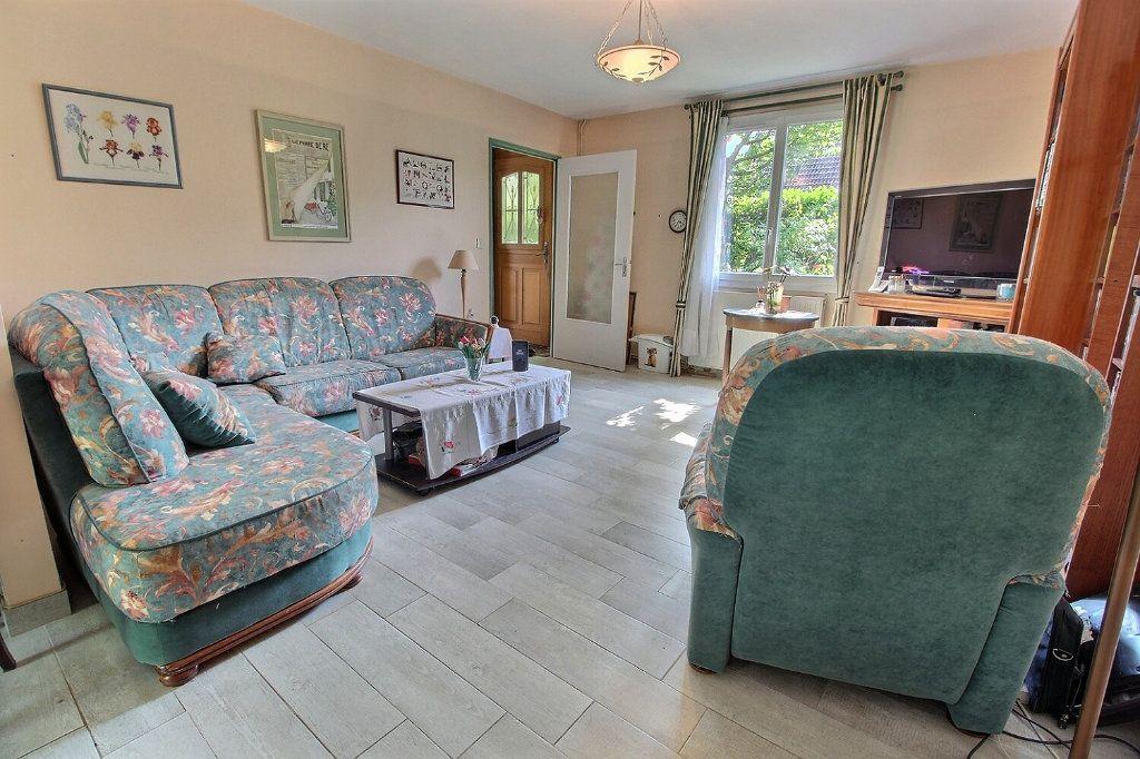 Maison à vendre 6 118m2 à Montigny-le-Bretonneux vignette-4