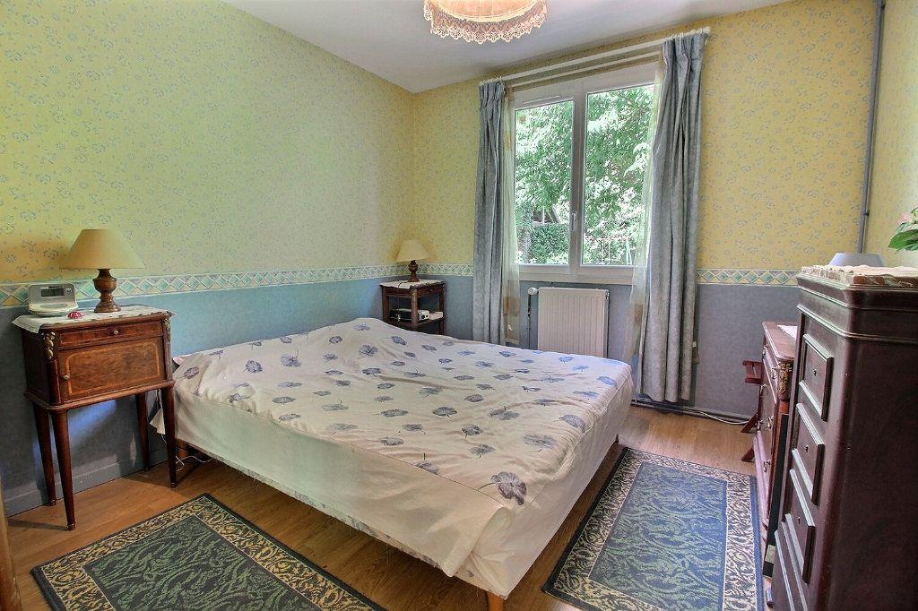 Maison à vendre 6 118m2 à Montigny-le-Bretonneux vignette-6