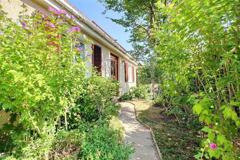 Maison à vendre 6 118m2 à Montigny-le-Bretonneux vignette-13