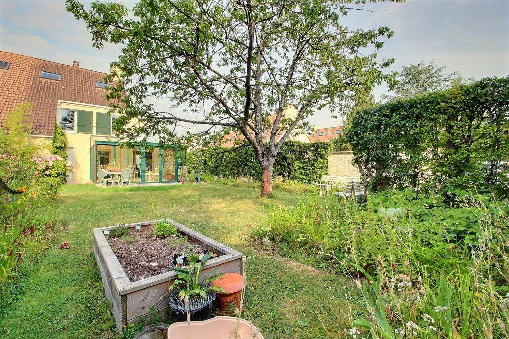 Maison à vendre 6 142m2 à Montigny-le-Bretonneux vignette-1