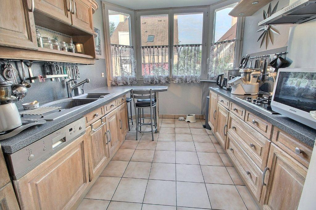 Maison à vendre 6 142m2 à Montigny-le-Bretonneux vignette-5