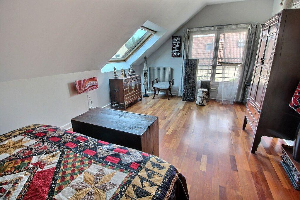 Maison à vendre 6 142m2 à Montigny-le-Bretonneux vignette-7